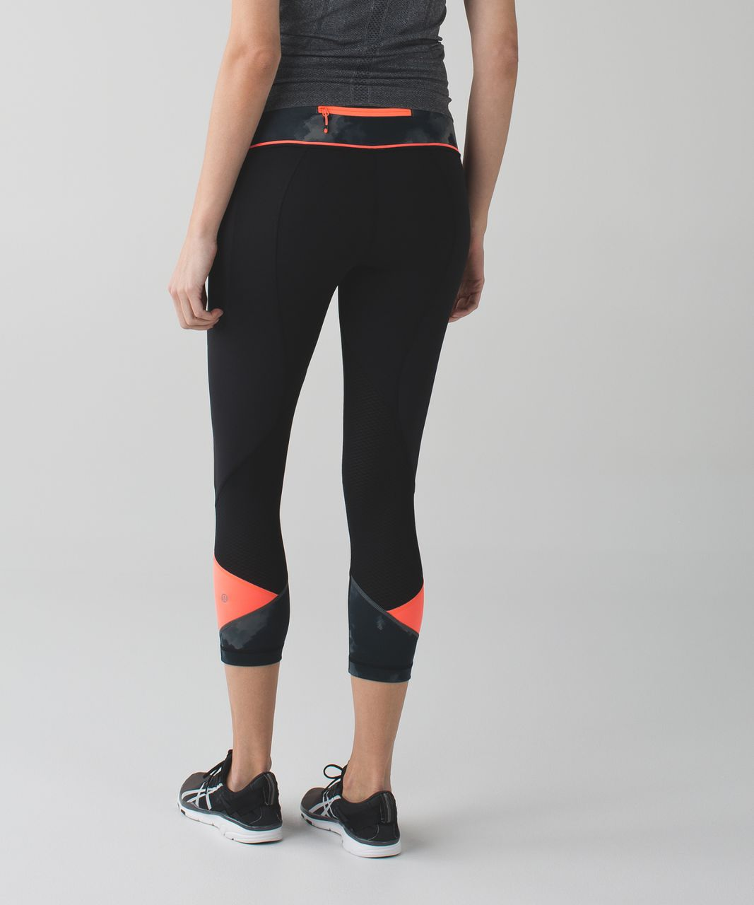 "Lululemon Pace Rival Crop *22"" - Black / Blooming Pixie Slate Black / Very Light Flare"