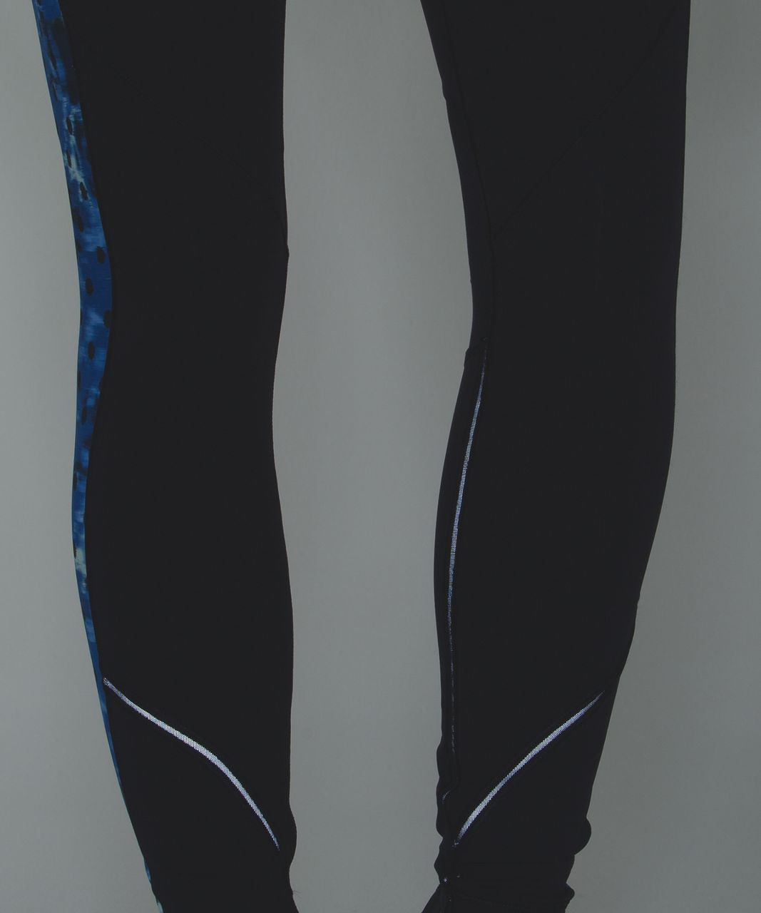 Lululemon Rain-On Train-On Tight - Naval Blue / Windy Blooms Saphire Blue Multi / Sapphire Blue
