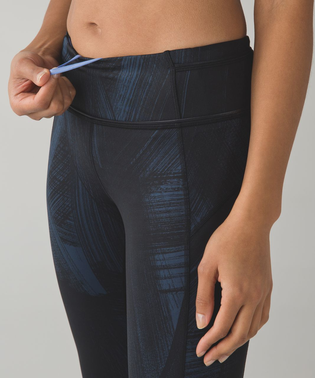 Lululemon Pace Queen Tight *Full-On Luxtreme - Wind Chill Deep Navy Black