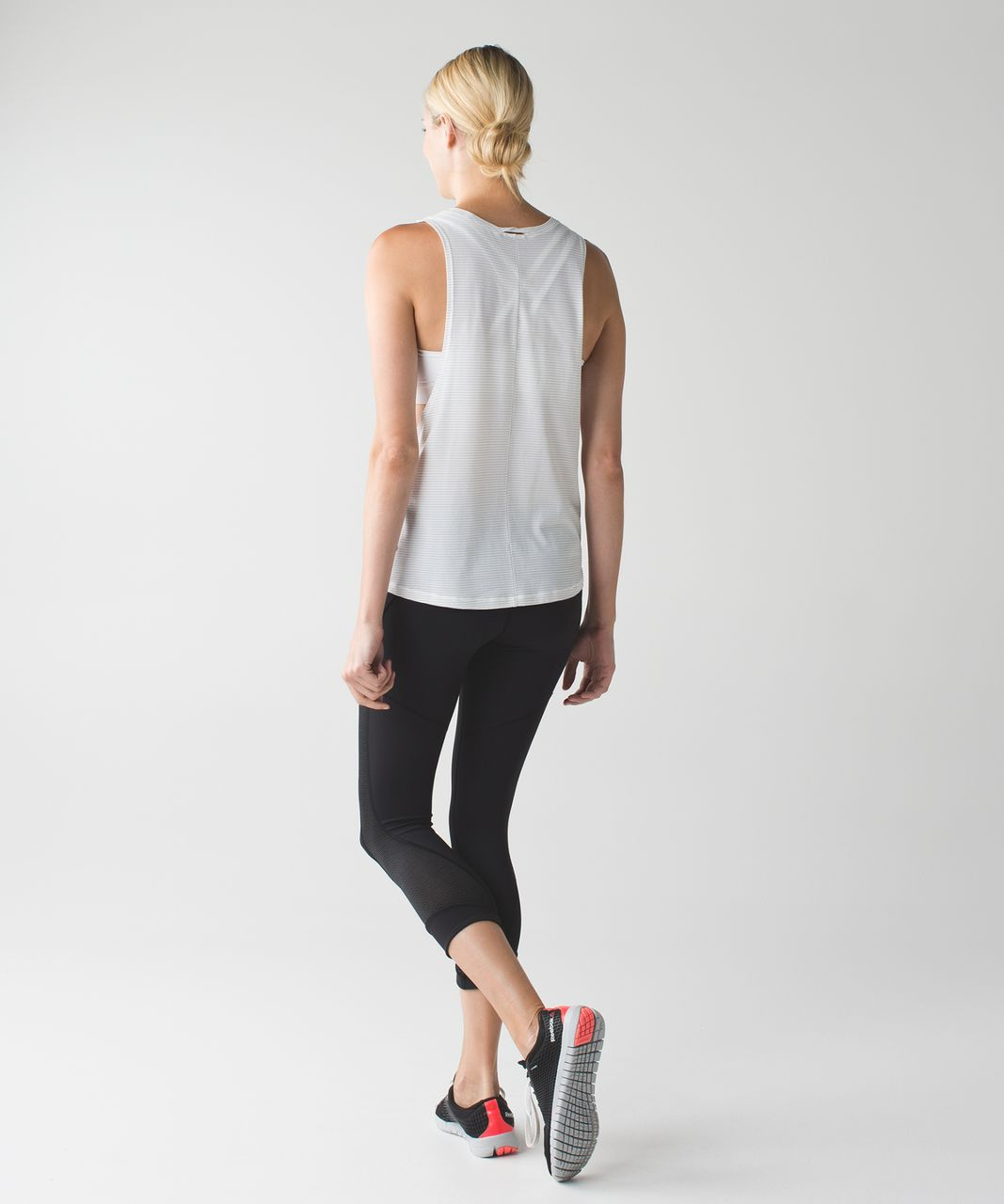 Lululemon Interval Crop - Black