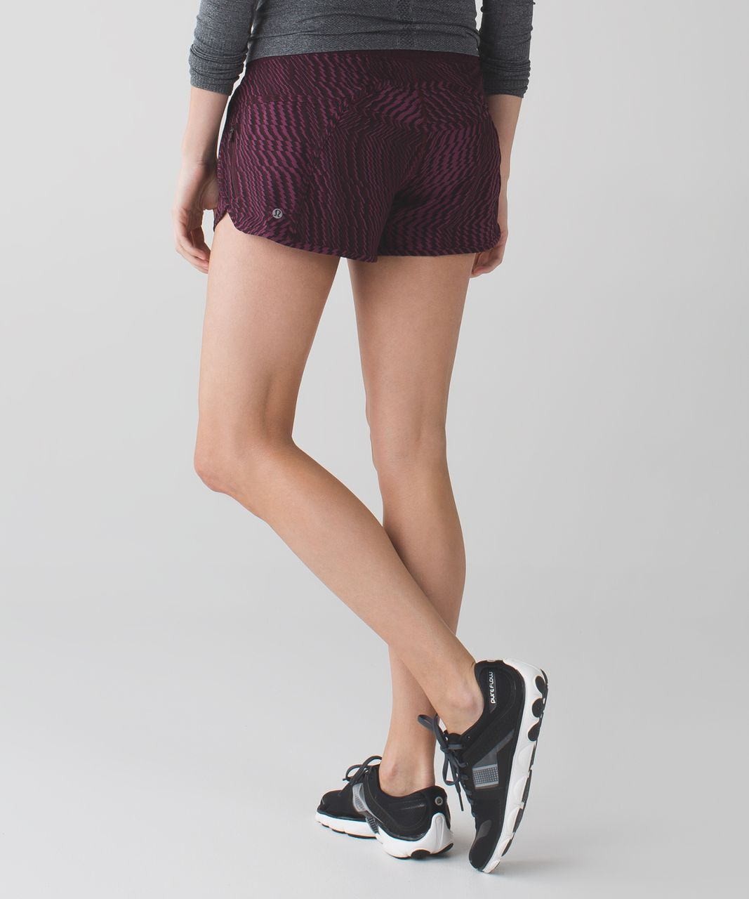 Lululemon Tracker Short III *4-way Stretch - Shifted Horizon Red Grape Black / Bordeaux Drama