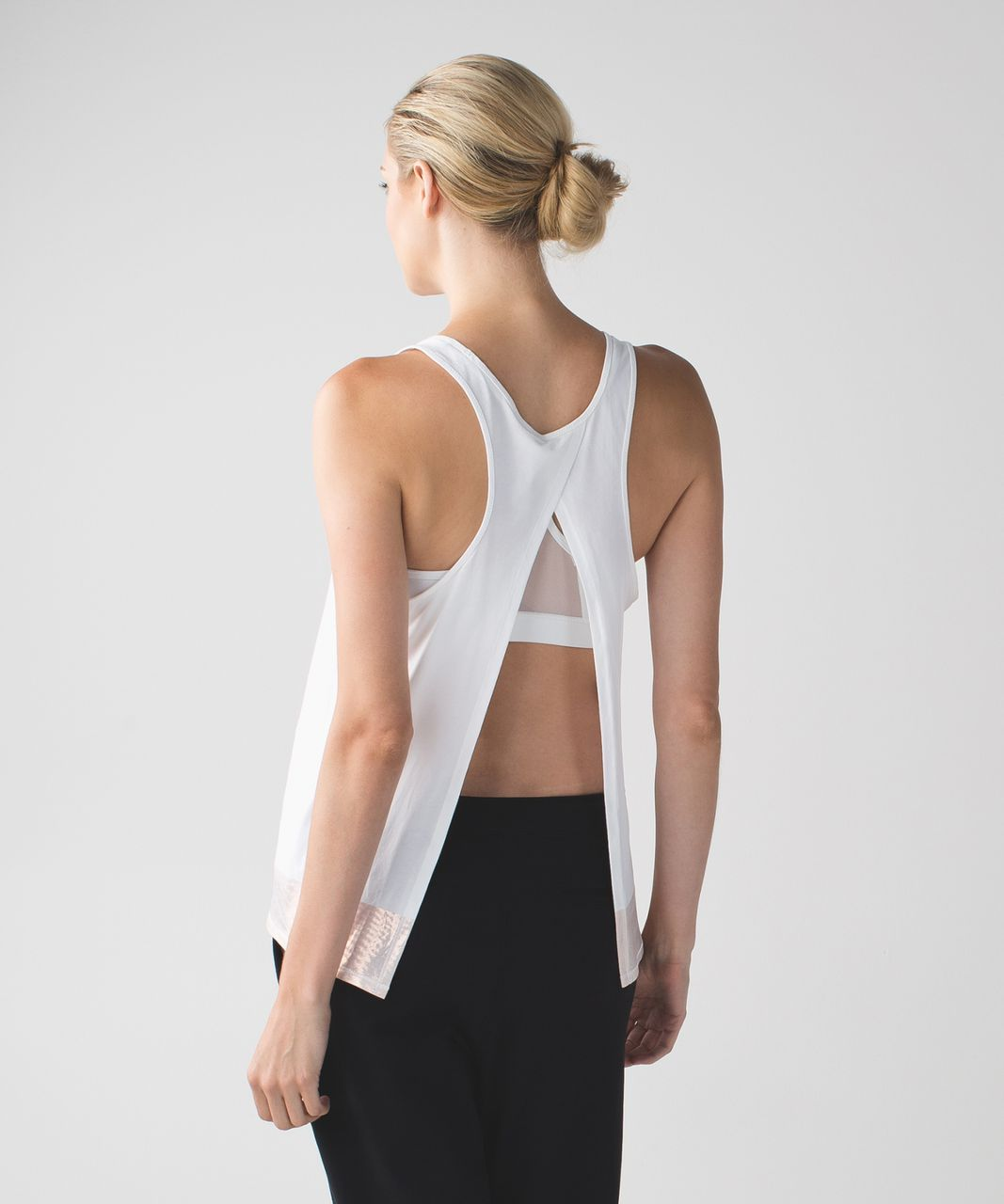 Lululemon All Tied Up Tank *Scoop - White