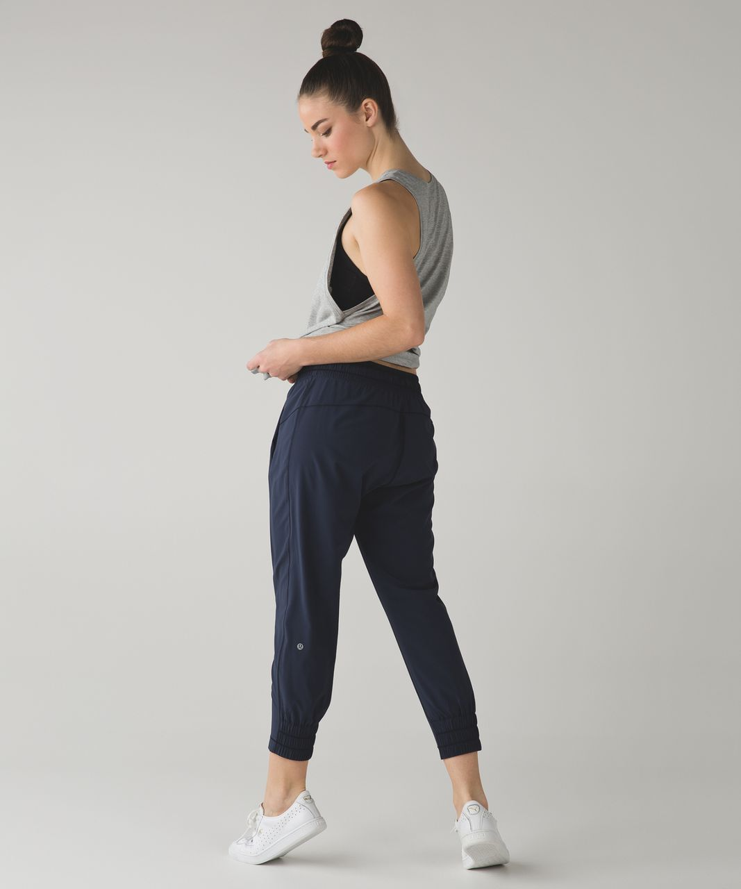 Lululemon Stretch It Out Crop - Inkwell