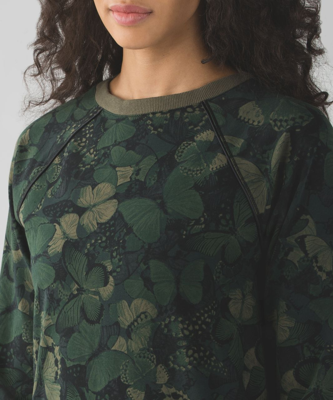Lululemon Crew Love Pullover - Biggie So Fly Butterfly Fatigue Green Black / Fatigue Green