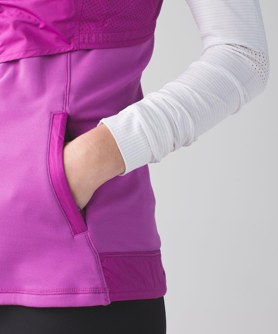 Lululemon Kanto Catch Me Vest - Ultra Violet