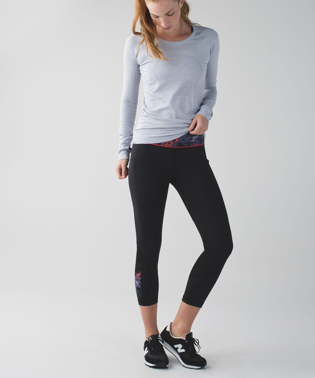 Lululemon Pace Rival Crop - Black / Windy Blooms Regal Plum Multi
