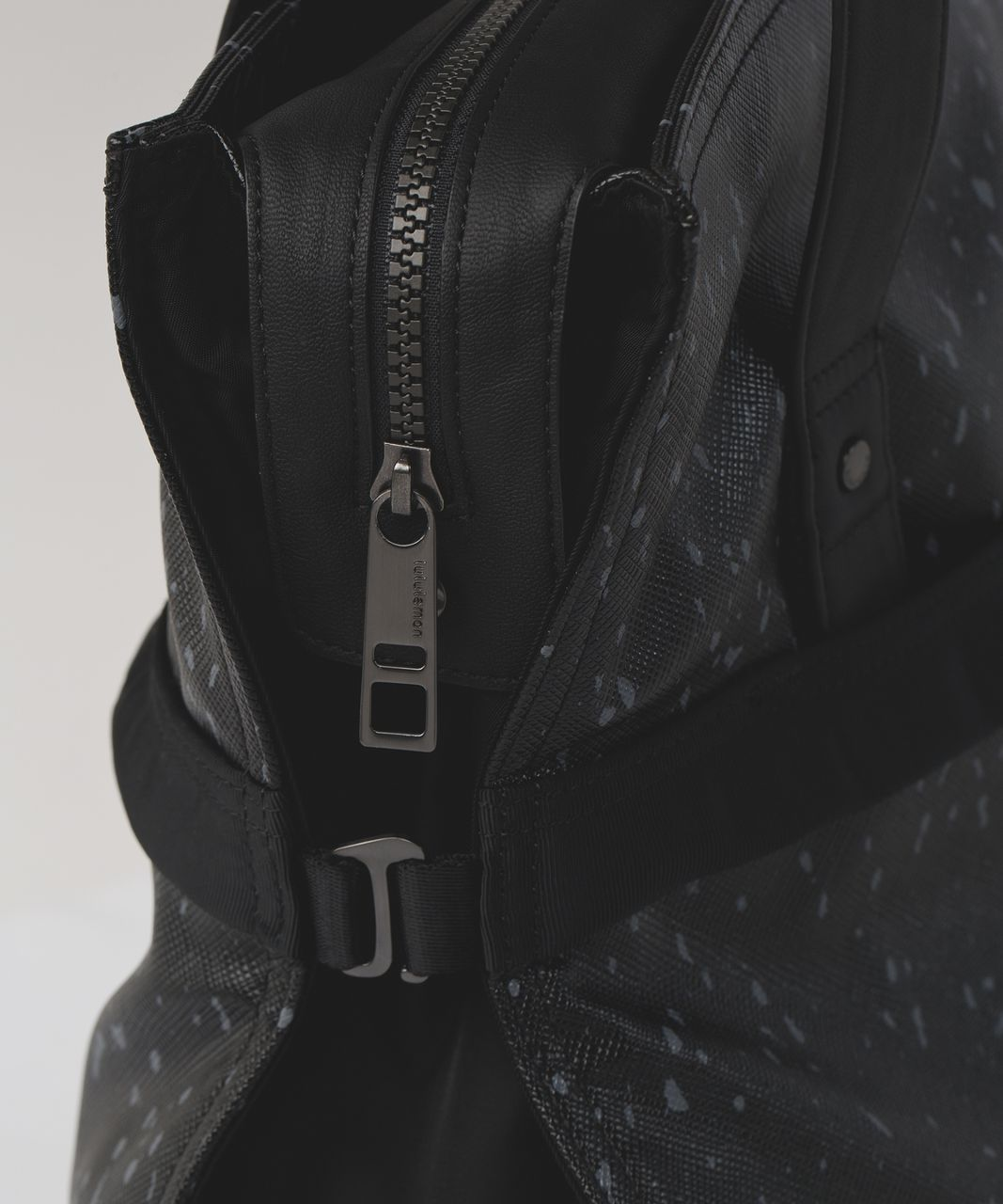 Lululemon Follow Your Bliss Bag - Exploded Butterfly Texture Dark Slate Black / Black