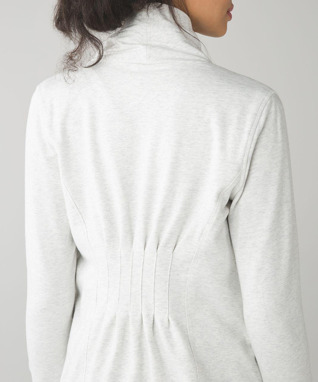 Lululemon Restore Wrap - Heathered White