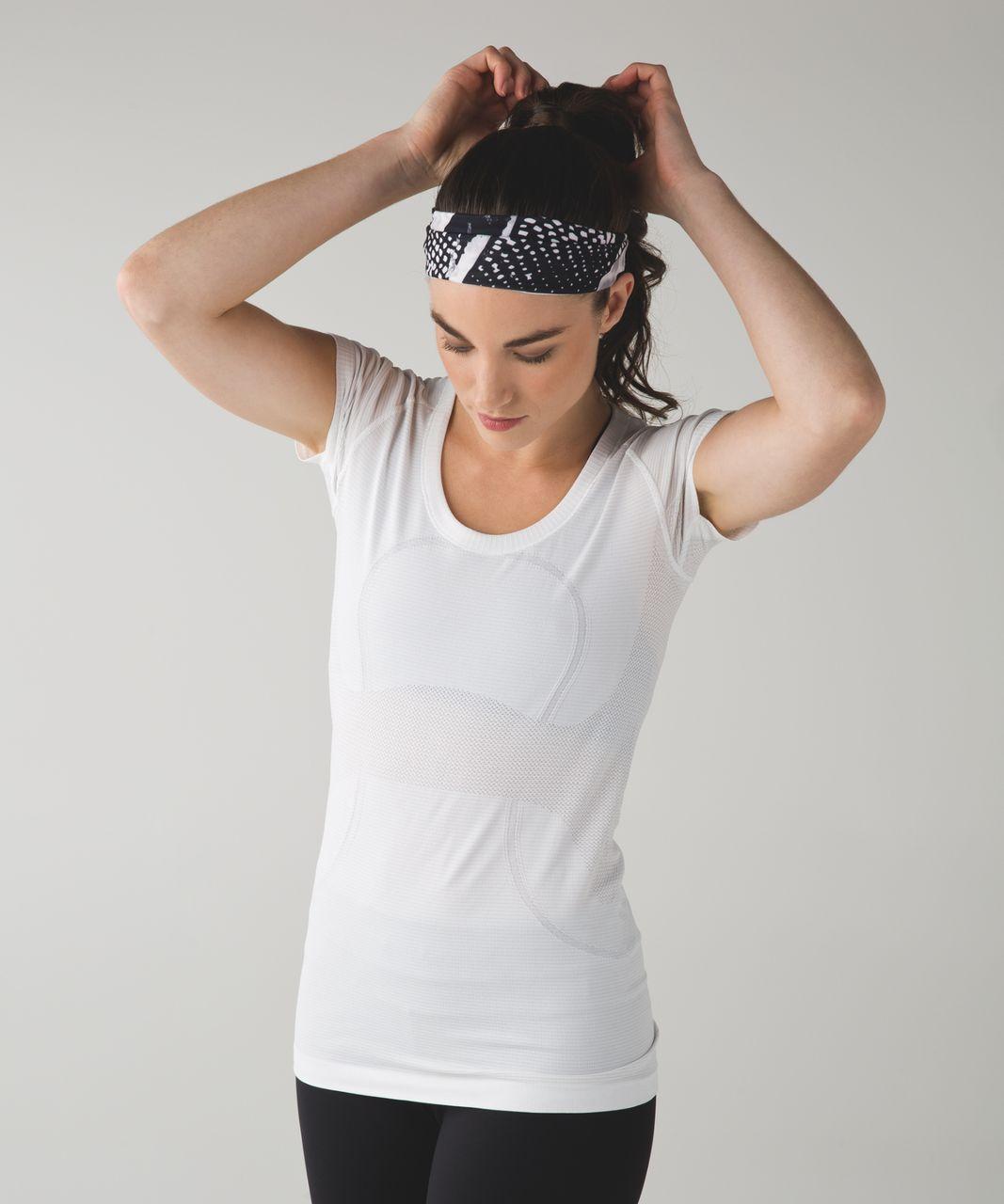 Lululemon Fringe Fighter Headband - Static Mist White Black / White