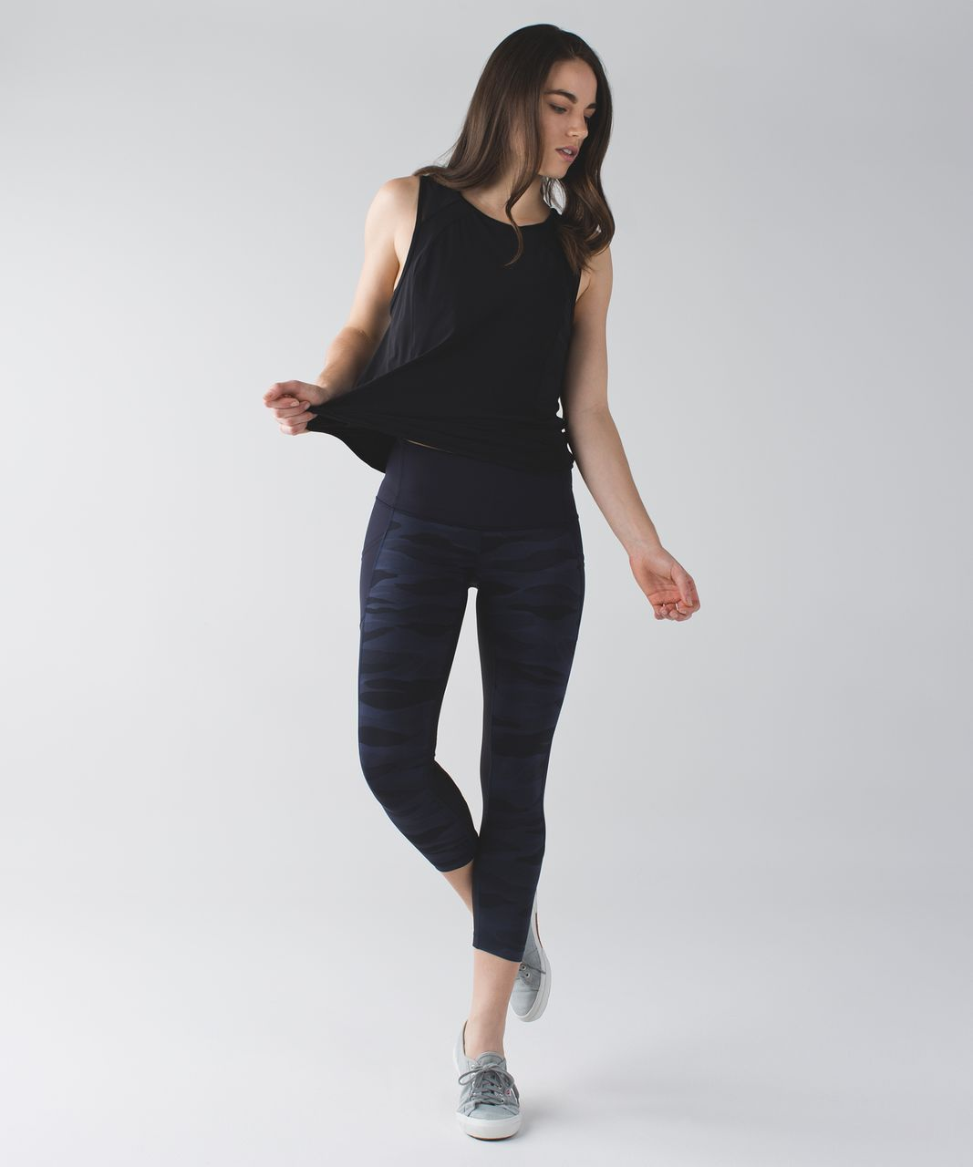 Lululemon Seek The Heat Crop - Mini Coast Camo Deep Navy Black / Naval Blue