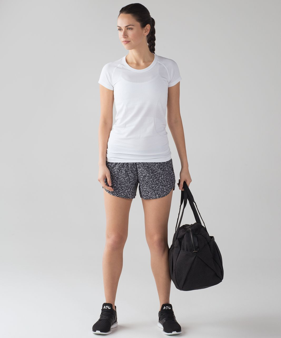 "Lululemon Tracker Short IV (4-way Stretch 4"") - Daisy Dust Alpine White Black / Black"