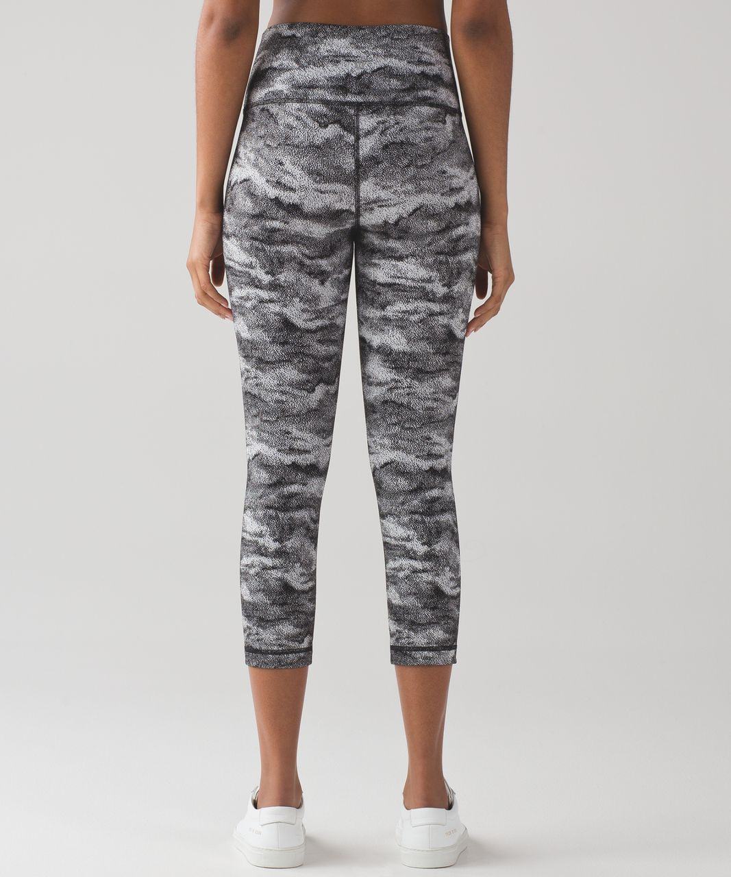 "Lululemon Wunder Under Crop (Hi-Rise) (21"") - Luon Hazy Days Black White"
