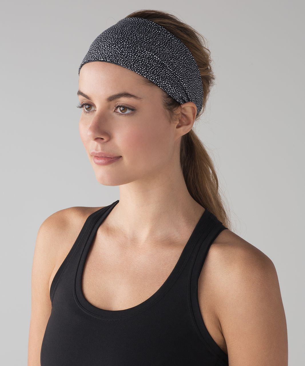 Lululemon Fringe Fighter Headband - Chakra Print Alpine White Black / Heathered Black (First Release)