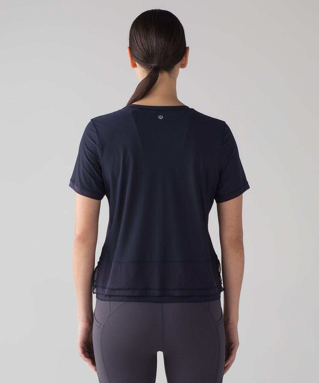 Lululemon Sole Training Short Sleeve - Midnight Navy