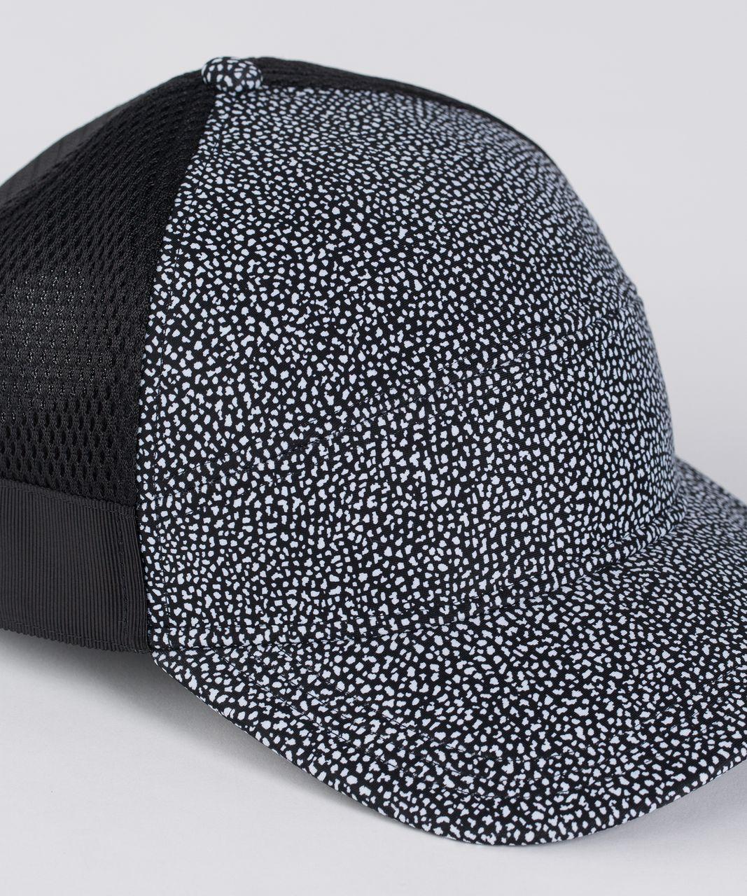 Lululemon Dash And Splash Cap - Chakra Print Alpine White Black / Black