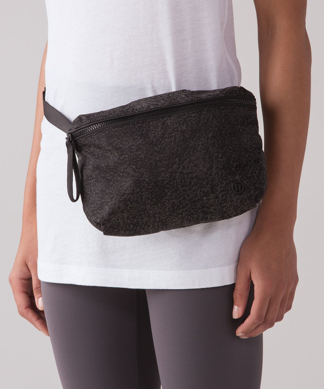 Lululemon Go Lightly Belt Bag Reflective Glo Wild Black