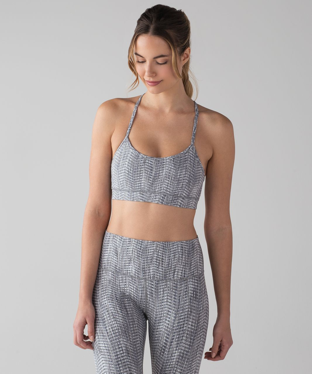 Lululemon Flow Y Bra IV - Luon Arrow Jacquard Battleship Silver Spoon / Battleship