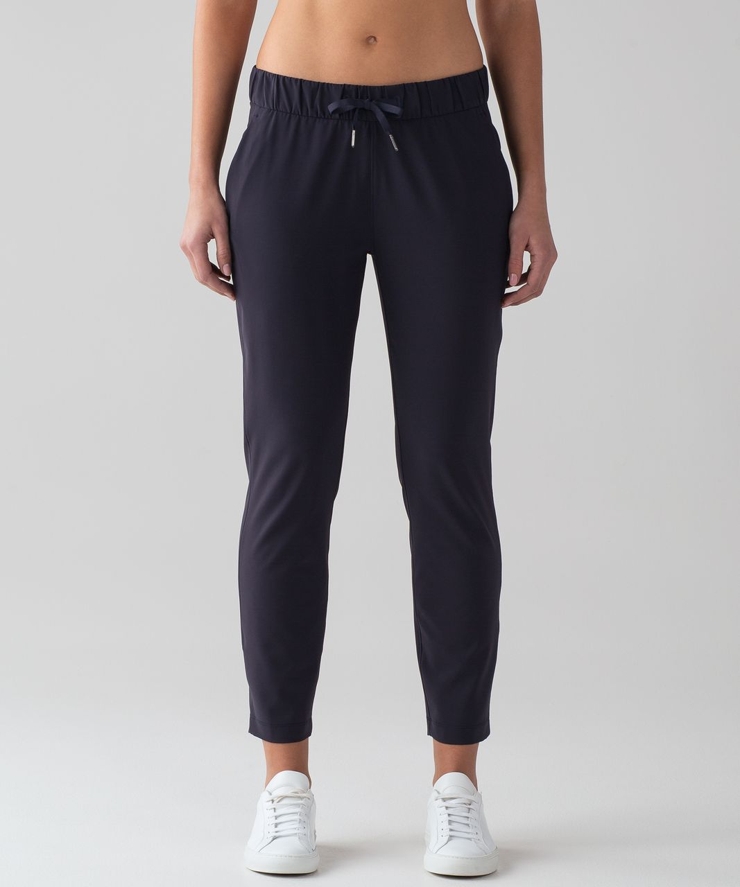 7ba3fdf80 Lululemon On The Fly Pant  Woven 28