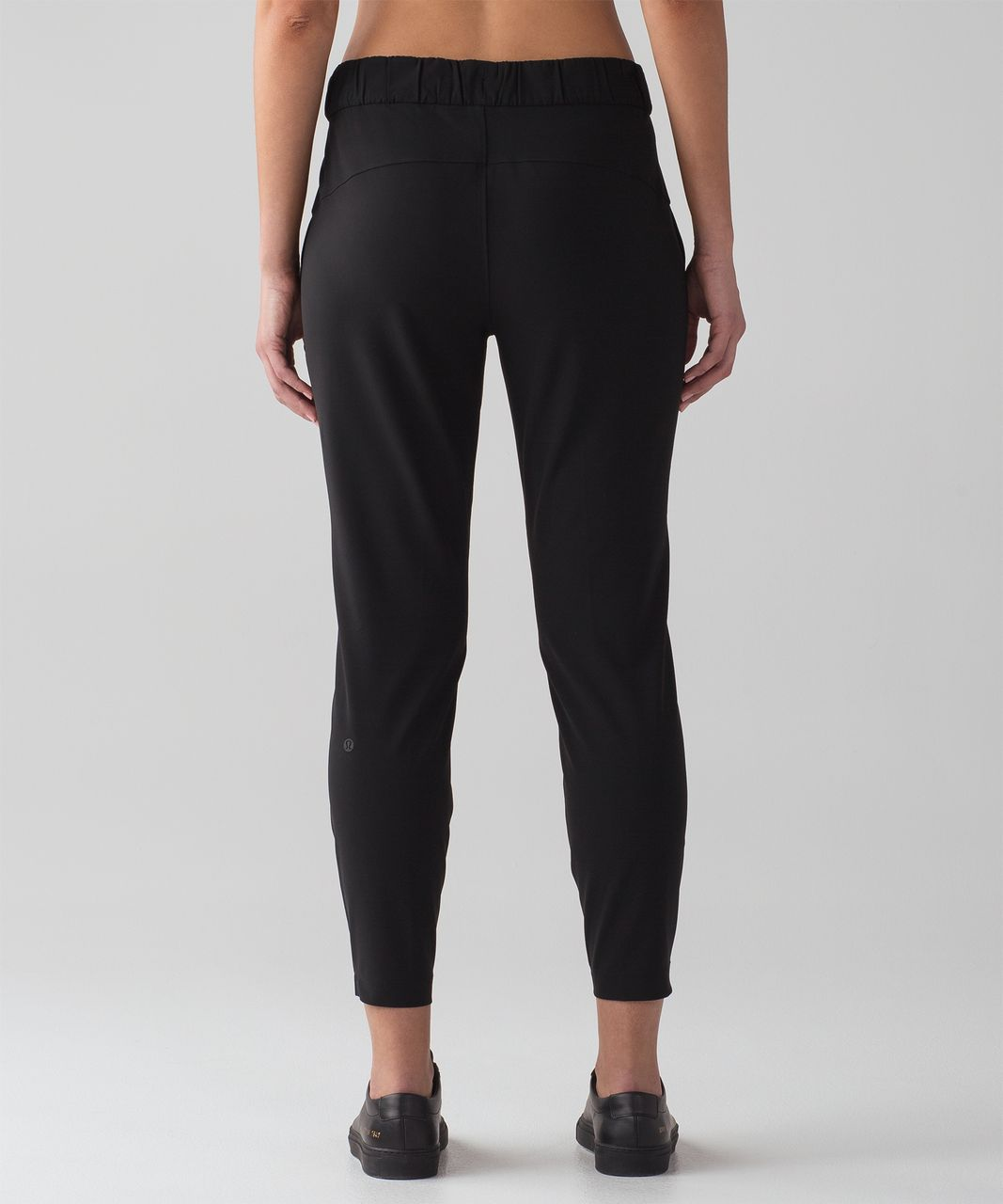 d9c5df0d3 Lululemon On The Fly Pant  Woven 28