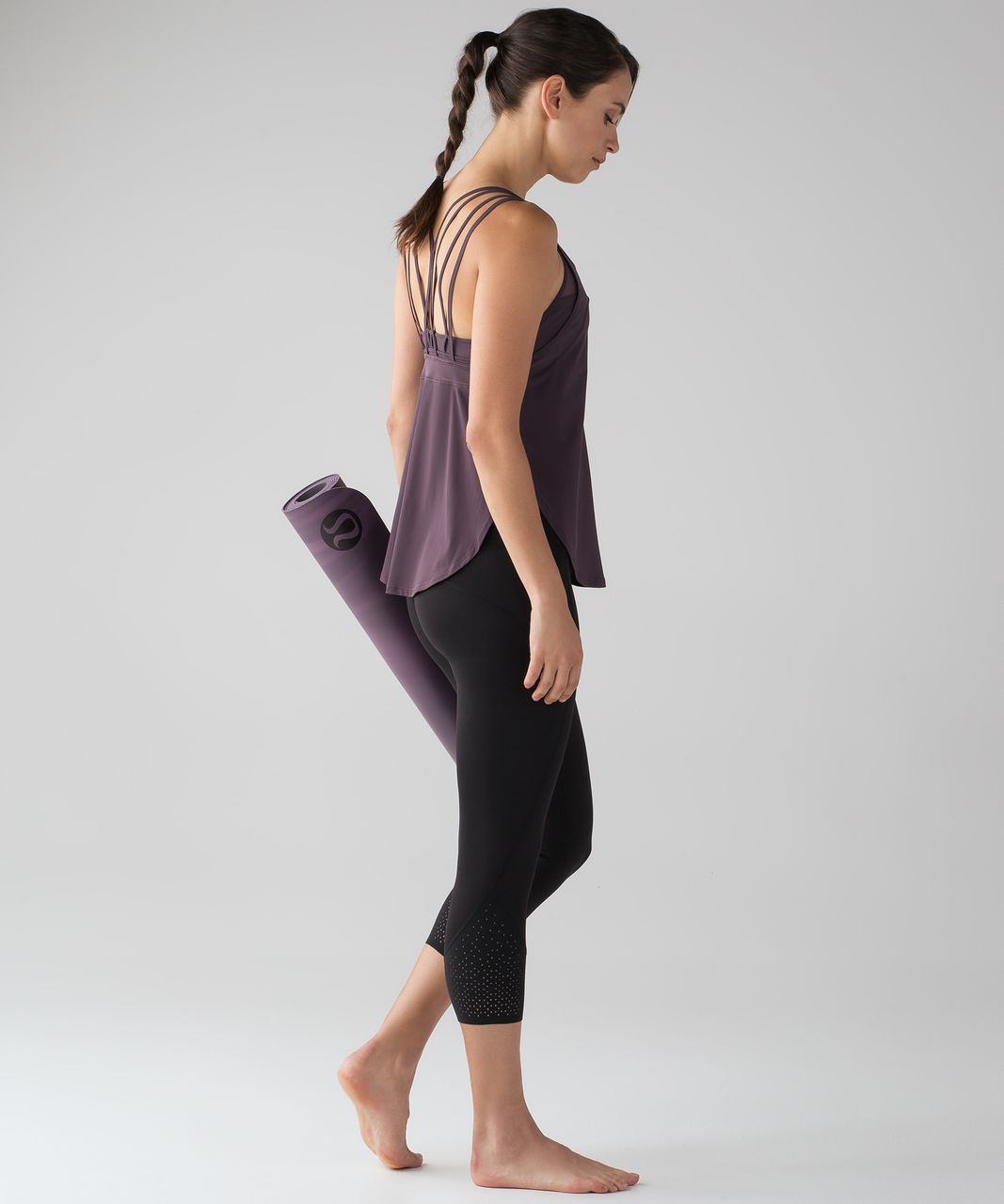 "Lululemon Anew Crop (21"") - Black"