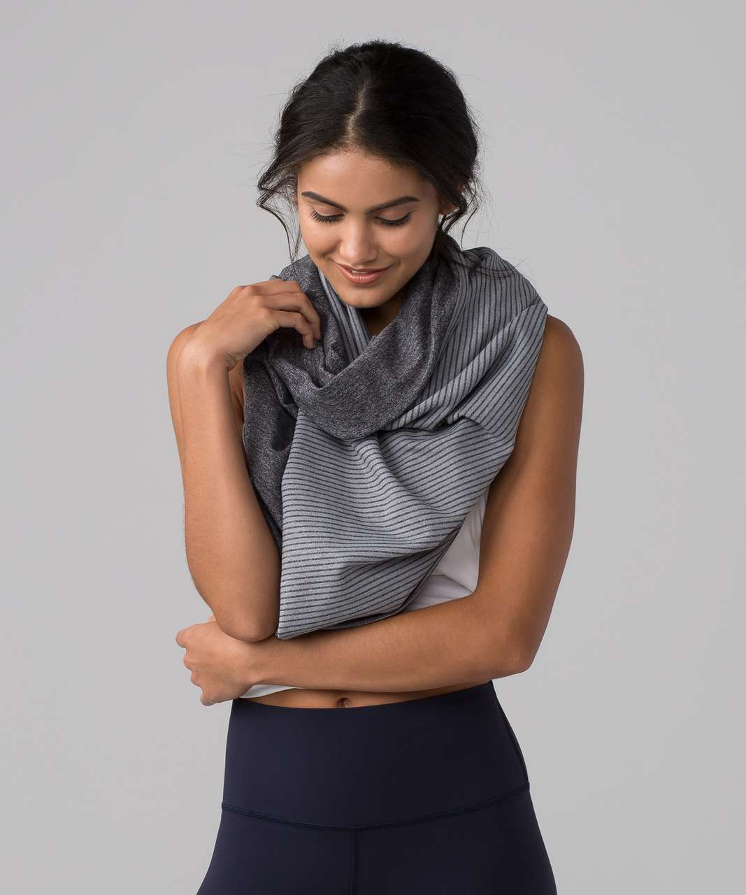 Lululemon Vinyasa Scarf *Rulu - Hyper Stripe Heathered Battleship Heathered Black / Heathered Black