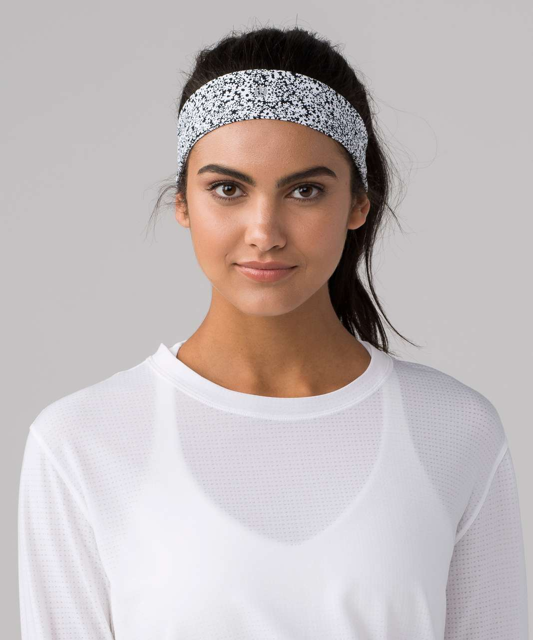 Lululemon Fly Away Tamer Headband II (Luxtreme) - Ditsy Daisy White Black -  lulu fanatics d70e147cd7d