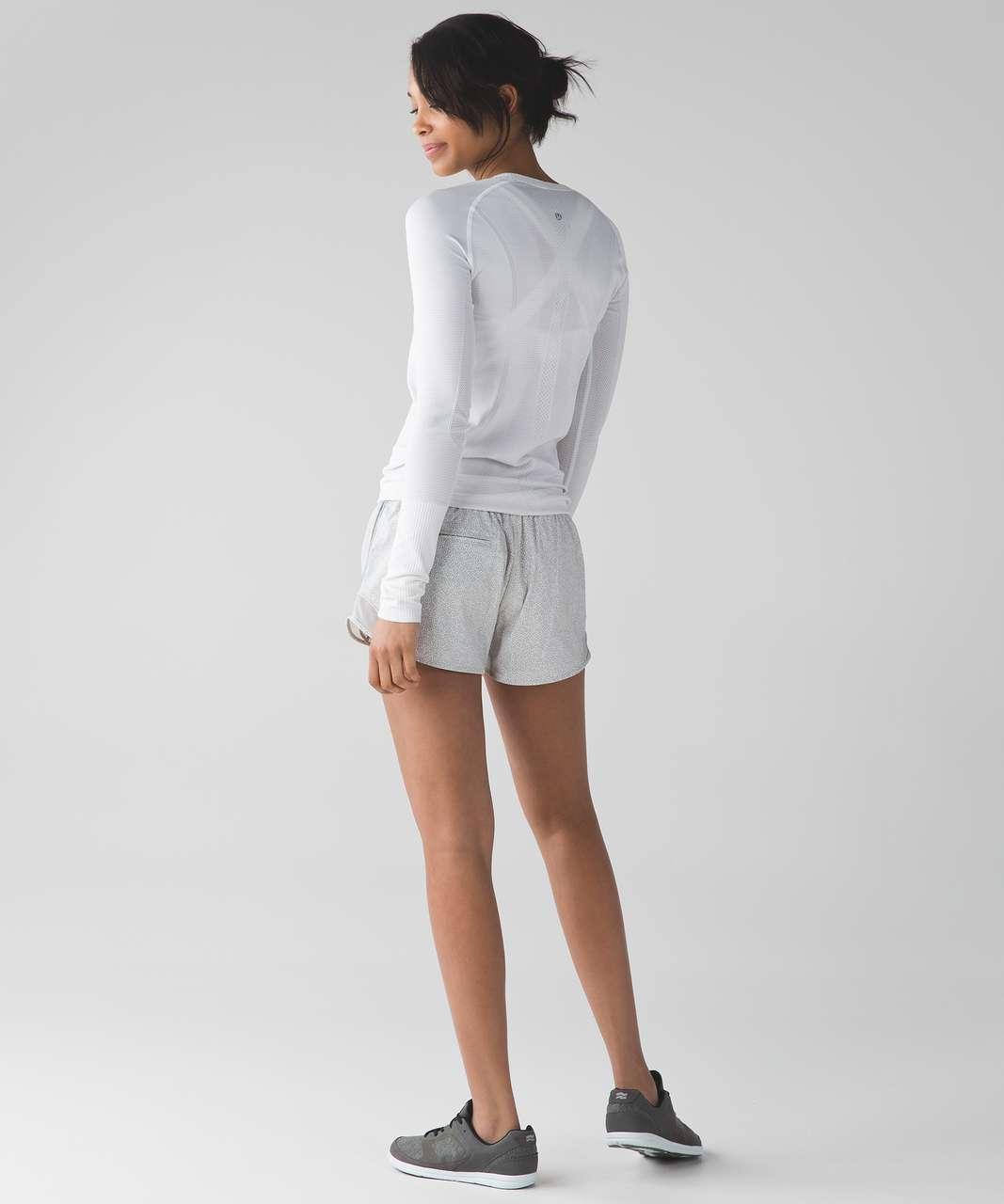 "Lululemon Hotty Hot Short (Long 4"") - Freckle Flower White Seal Grey / Seal Grey"