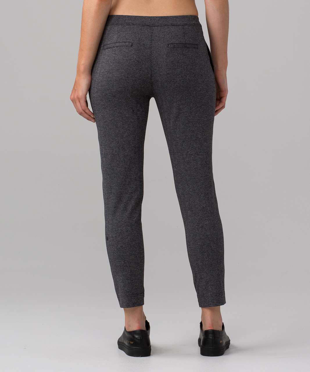 "Lululemon Jet Crop (Slim) (Luxtreme 19"") - Giant Herringbone Black Heathered Black"