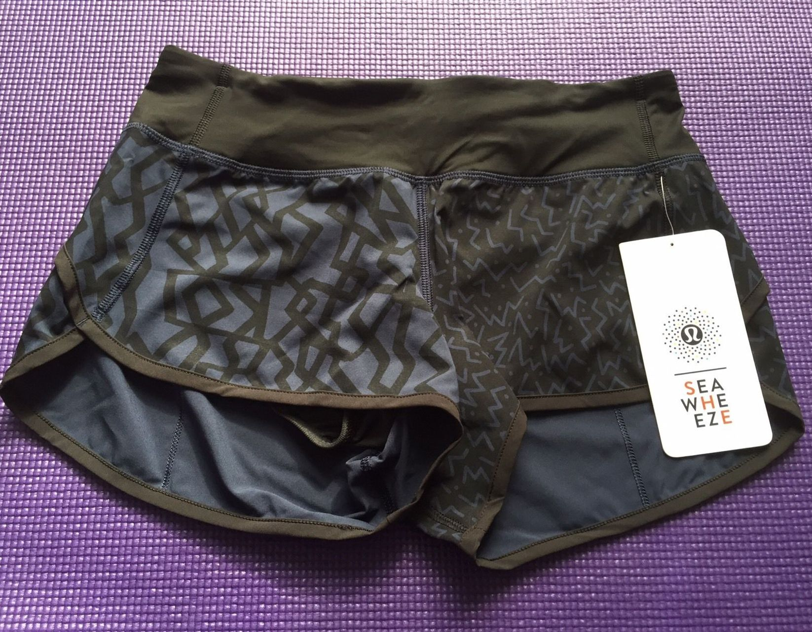 Lululemon Speed Short - 2015 Seawheeze - Half Navy Half Black with Squiggles