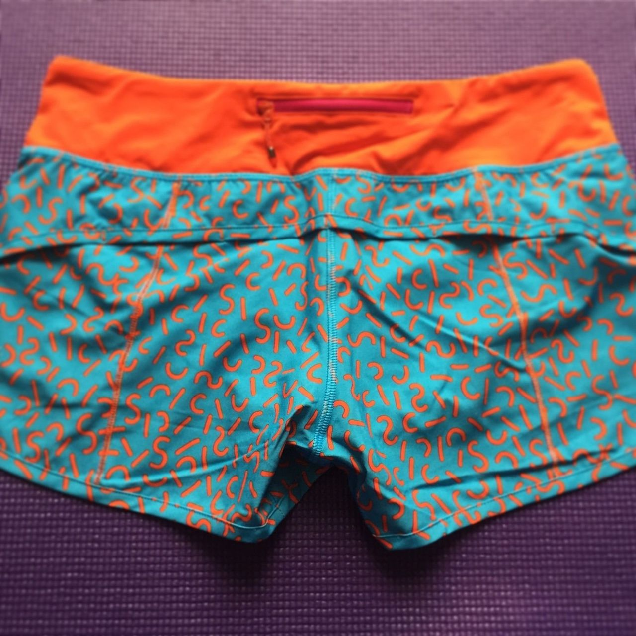 Lululemon Speed Short - 2015 Seawheeze - Turquoise with Red Squiggles