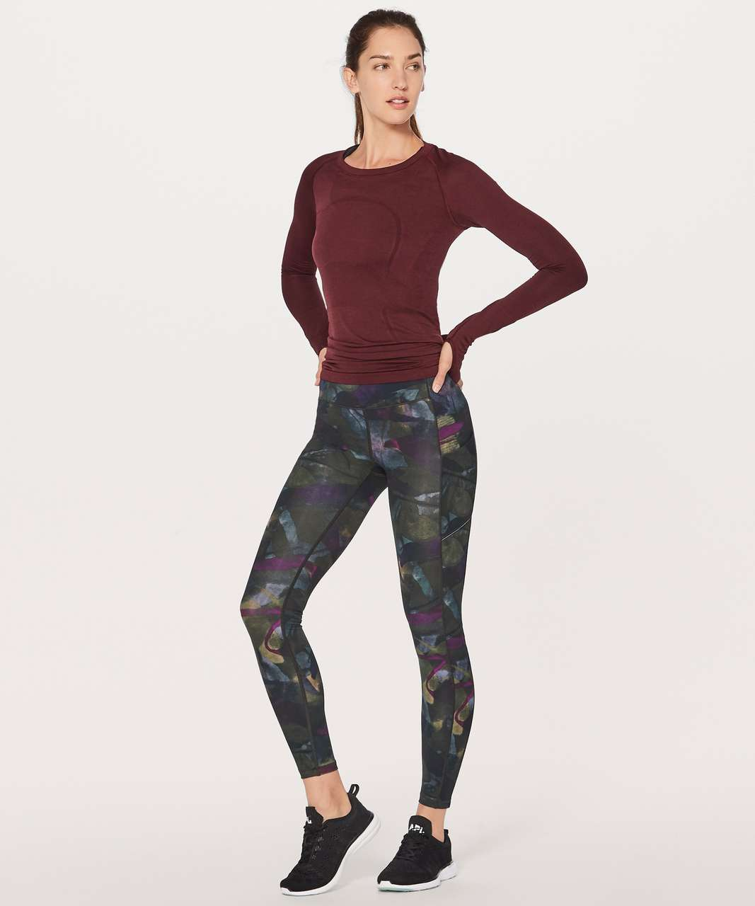 "Lululemon Speed Up Tight (Full-On Luxtreme 28"") - Aura Dark Chrome Multi"