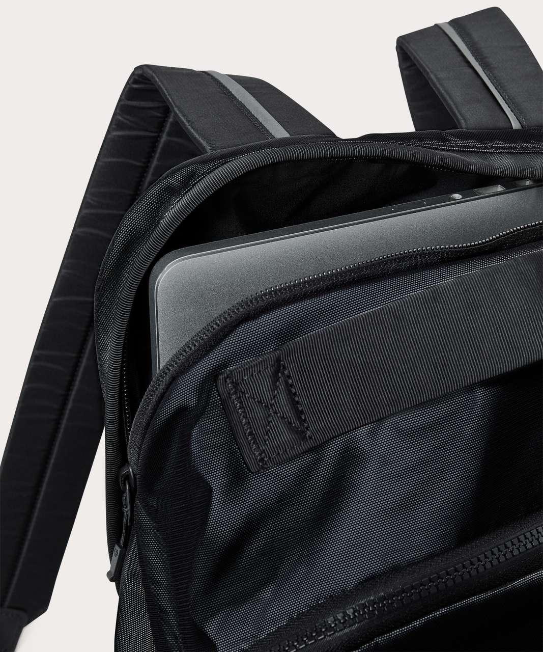 Lululemon City Adventurer Backpack (Reflective Mesh 21L) - Silver Reflective / Black
