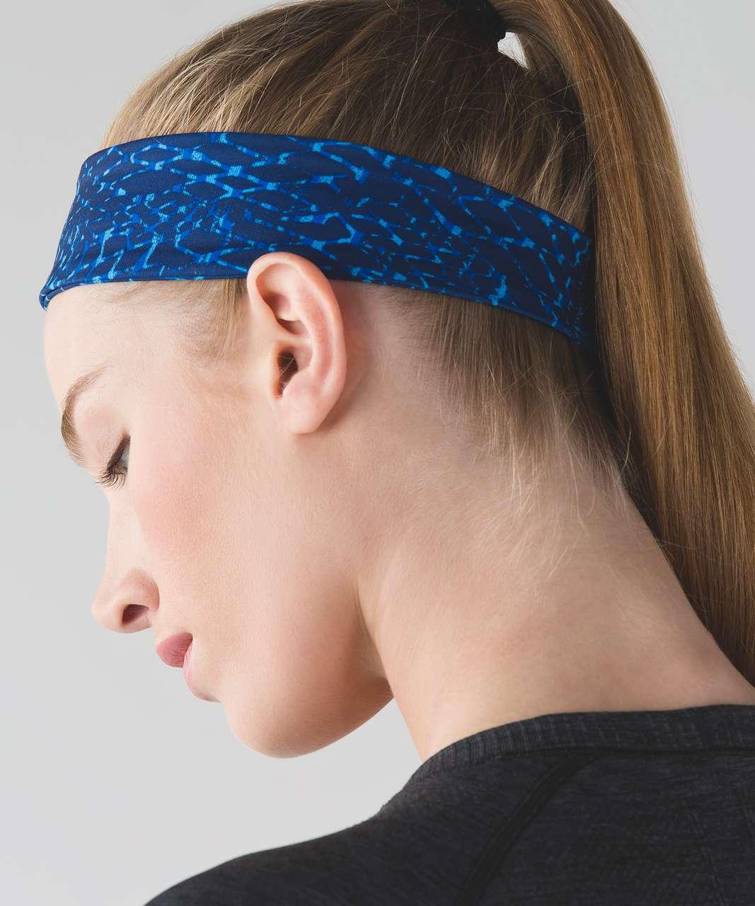 Lululemon Fly Away Tamer Headband 2.0 - Samba Snake Kayak Blue Hero Blue