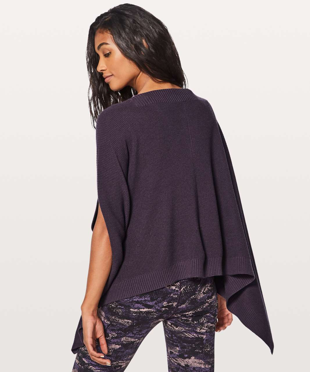 Lululemon Forward Flow Cape - Black Currant