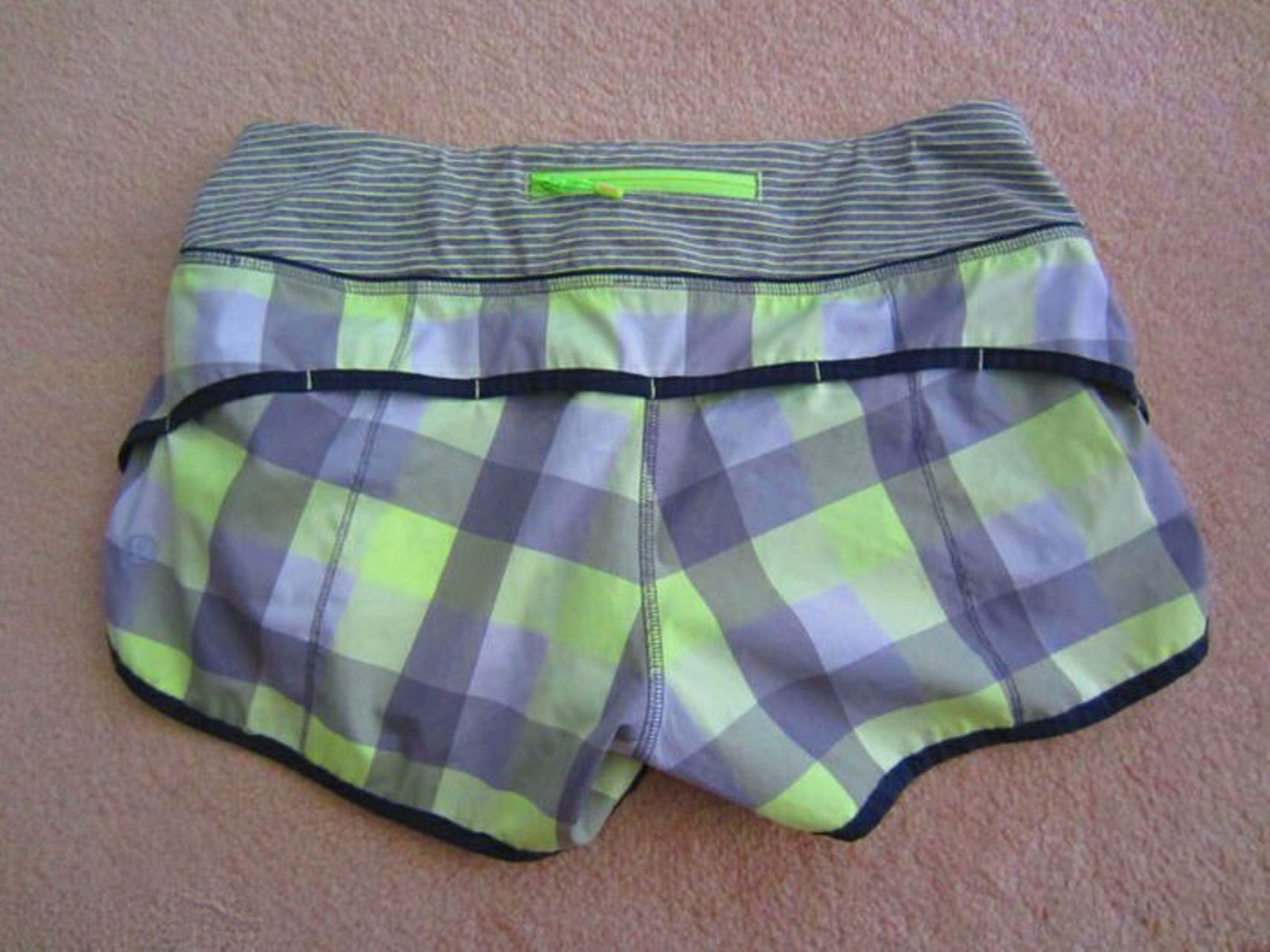 Lululemon Speed Short - Checkmate - Faded Zap