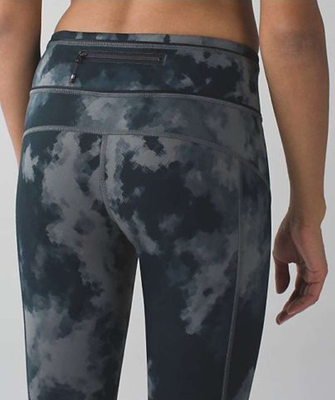 Lululemon Pace Queen Tight - Blooming Pixie White Black