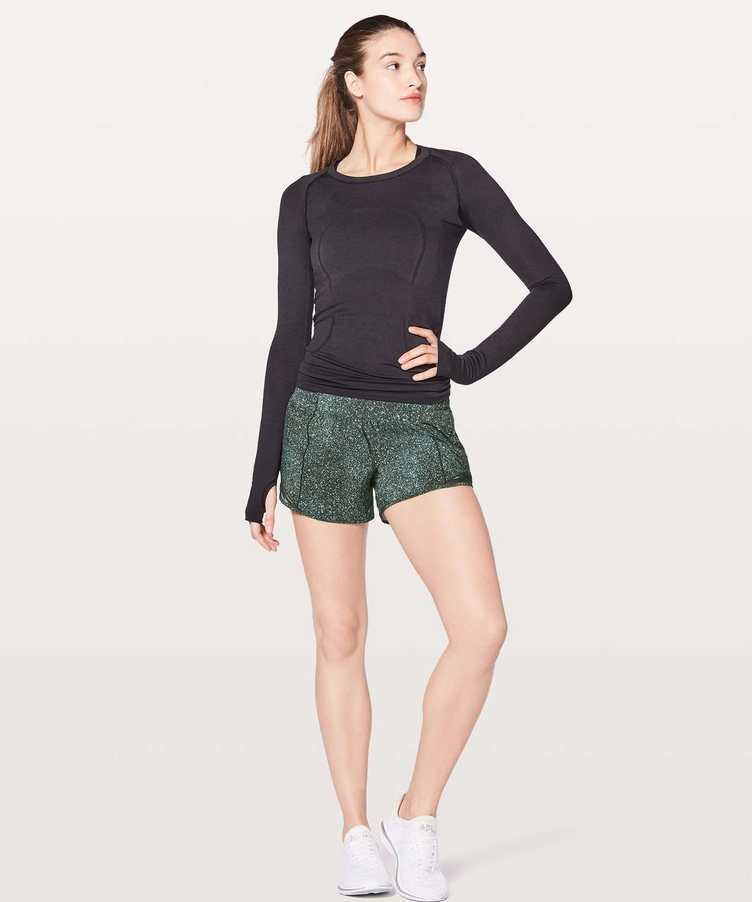 "Lululemon Hotty Hot Short II Long 4"" - Mineralize Multi / Black"