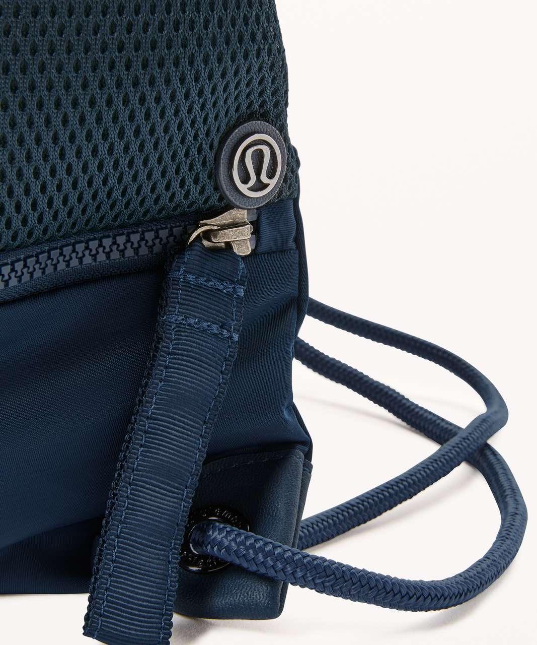 Lululemon Go Lightly Cinch Bag - Jaded