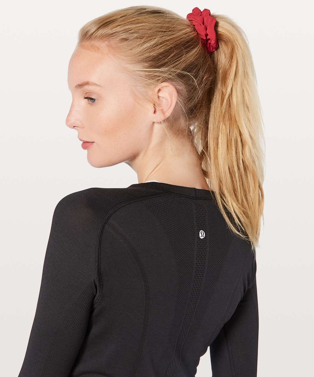 Lululemon Uplifting Scrunchie - Persian Red