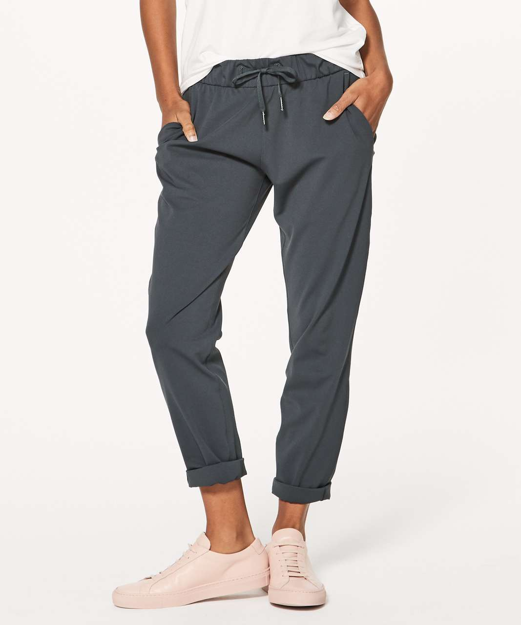 "Lululemon On The Fly Pant 28"" - Melanite"