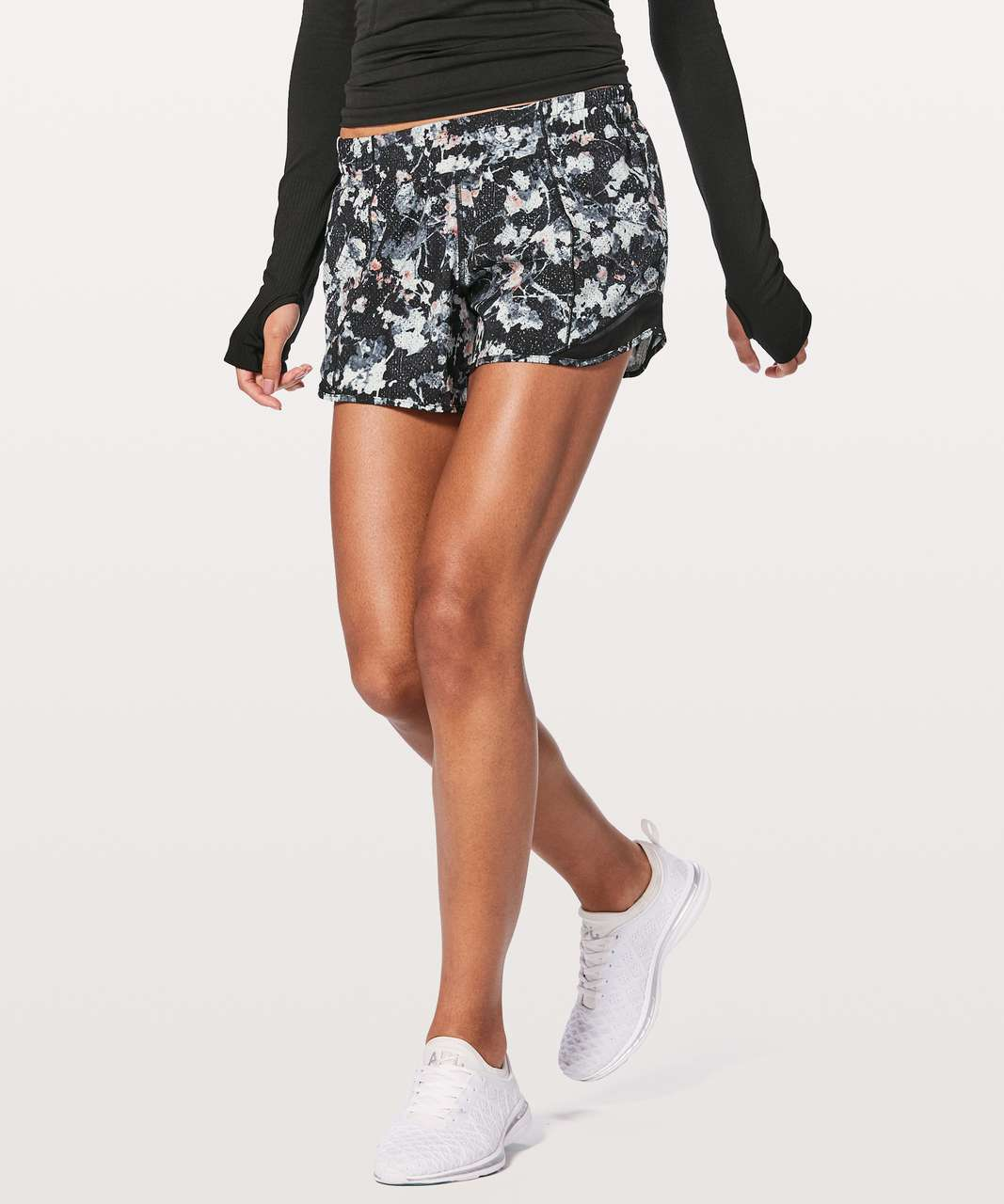 "Lululemon Hotty Hot Short II Long 4"" - Spring Bloom Multi / Black"