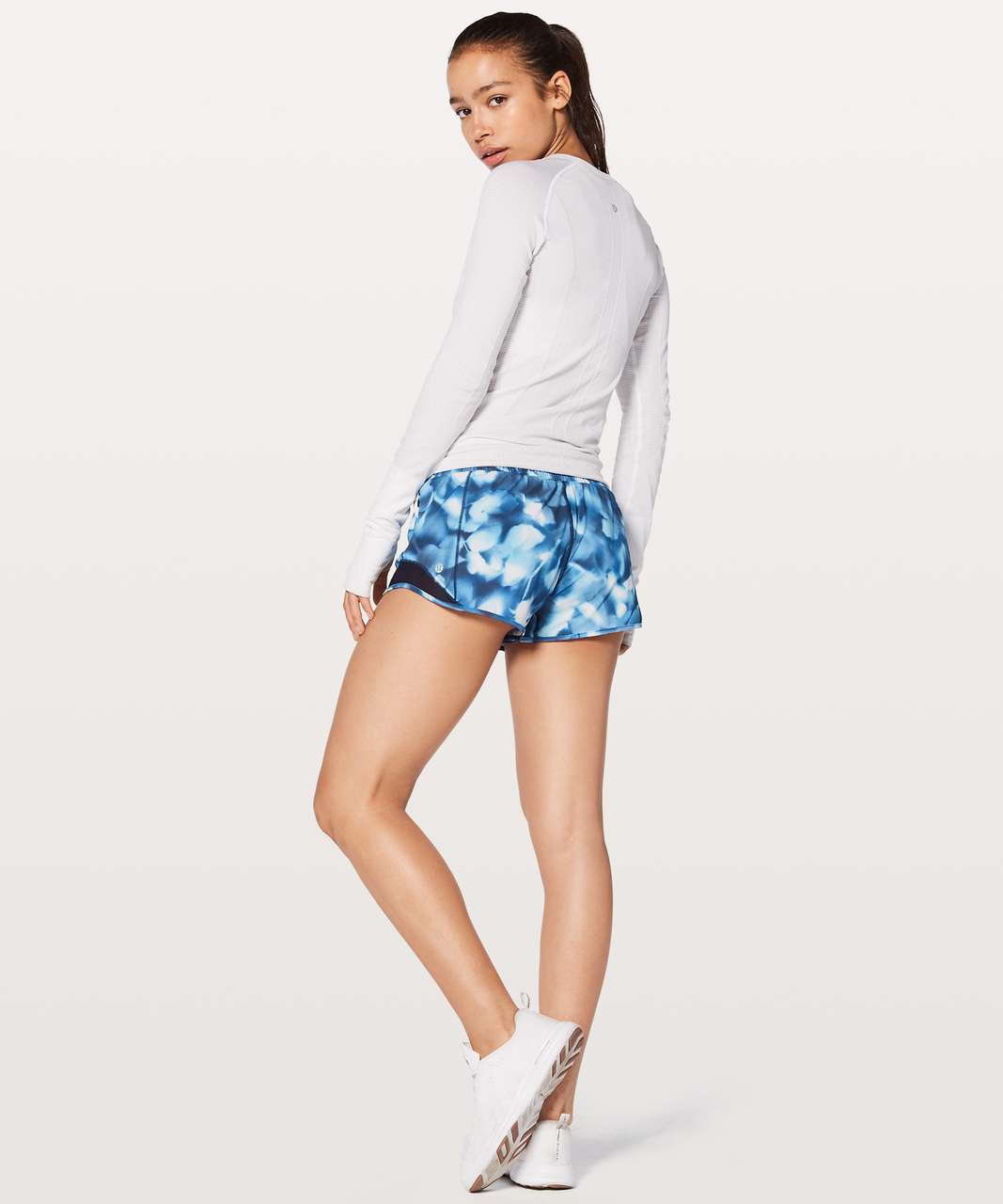 """Lululemon Hotty Hot Short II 2.5"""" - Mini Blush Blossom Alpine White Midnight Navy / Midnight Navy"""