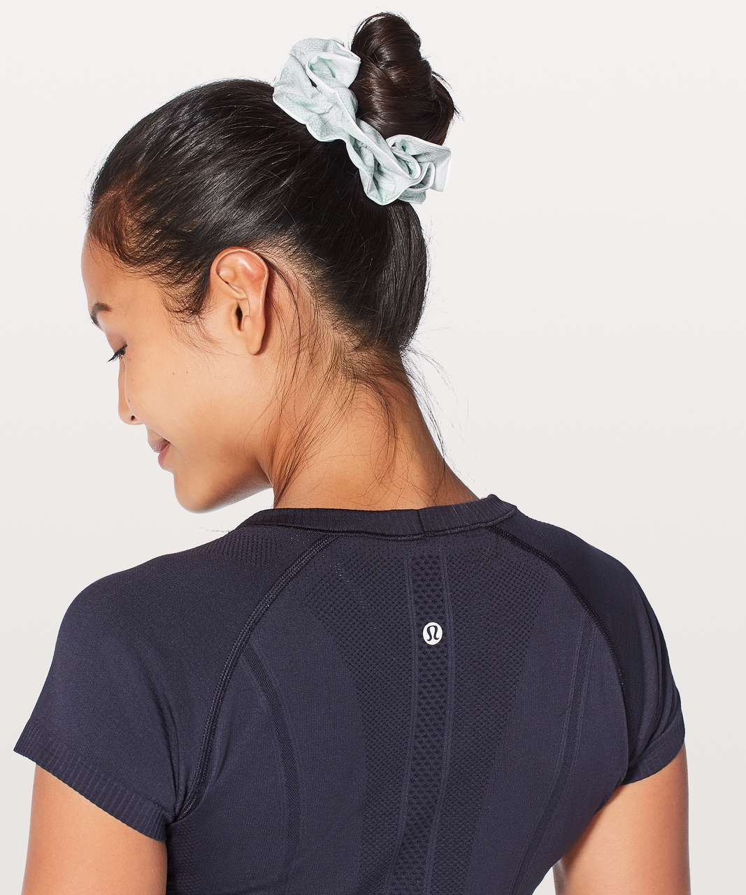 Lululemon Light Locks Scrunchie - Jasmine White Multi