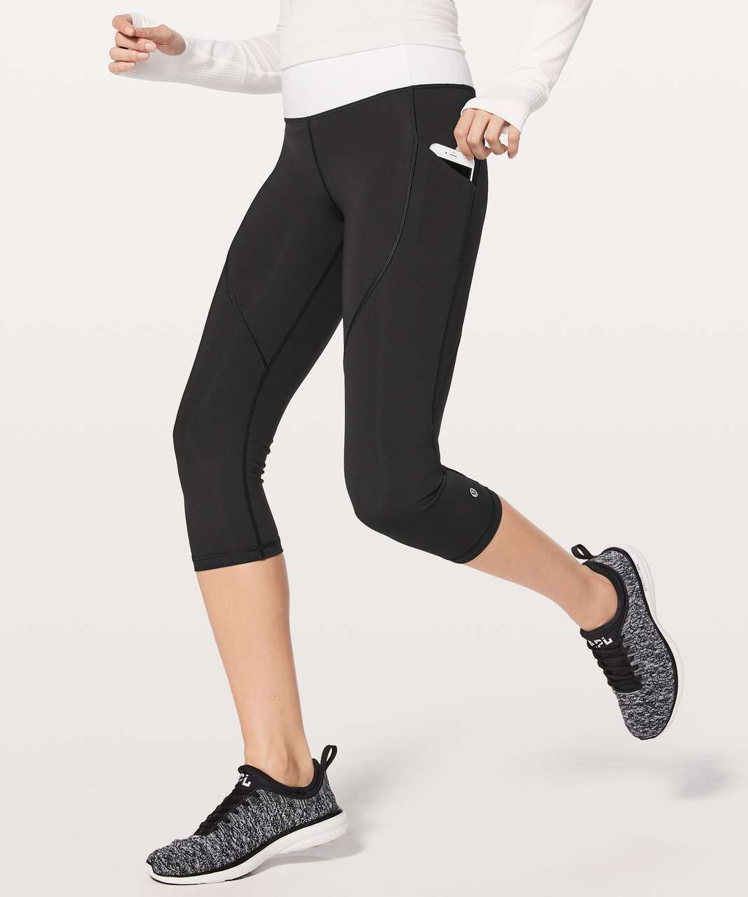 "Lululemon Quick Feet Crop 19"" - Black / White"