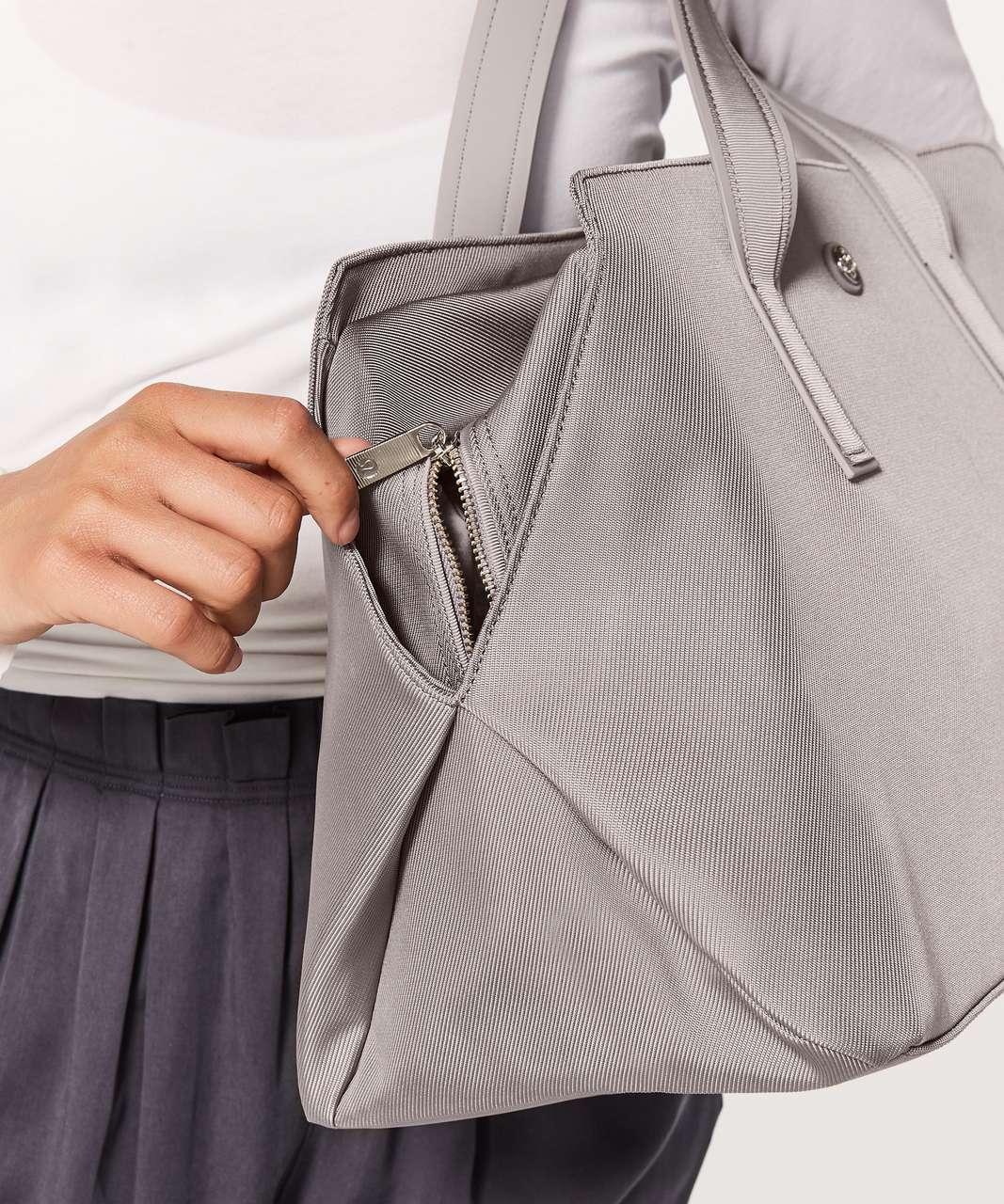 Lululemon Go Getter Bag *Heatproof Pocket 26L - Dark Chrome (First Release)