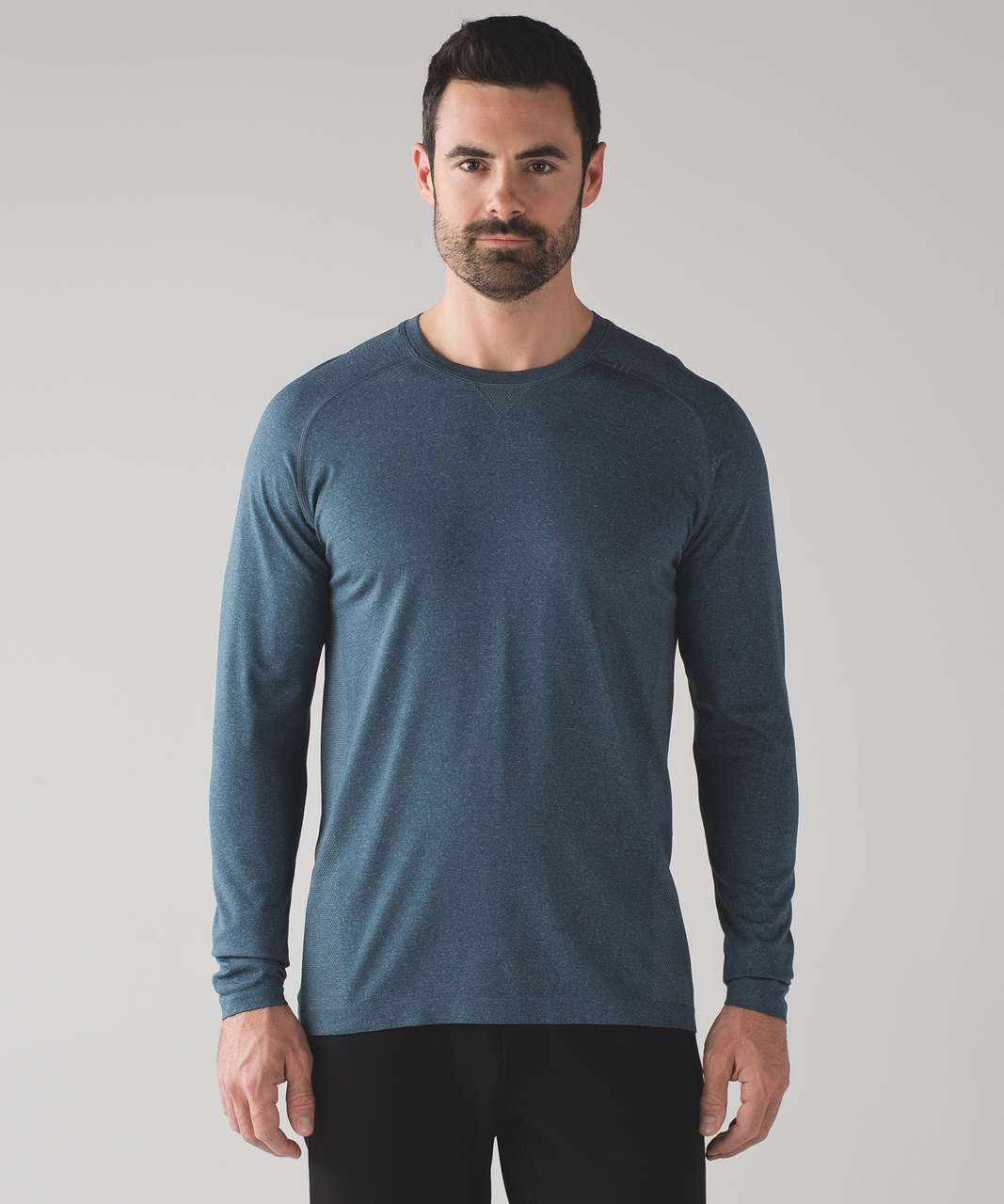 c78c38da0 Lululemon Metal Vent Tech Long Sleeve - Iron Blue - lulu fanatics