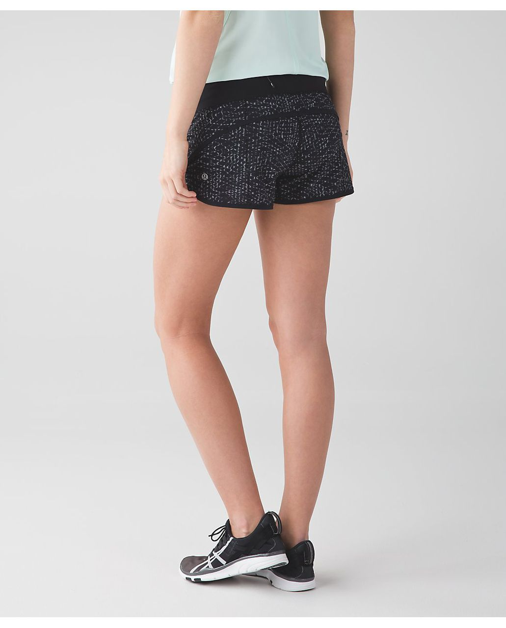Lululemon Speed Short *4-way Stretch - Samba Snake Battleship Black / Black