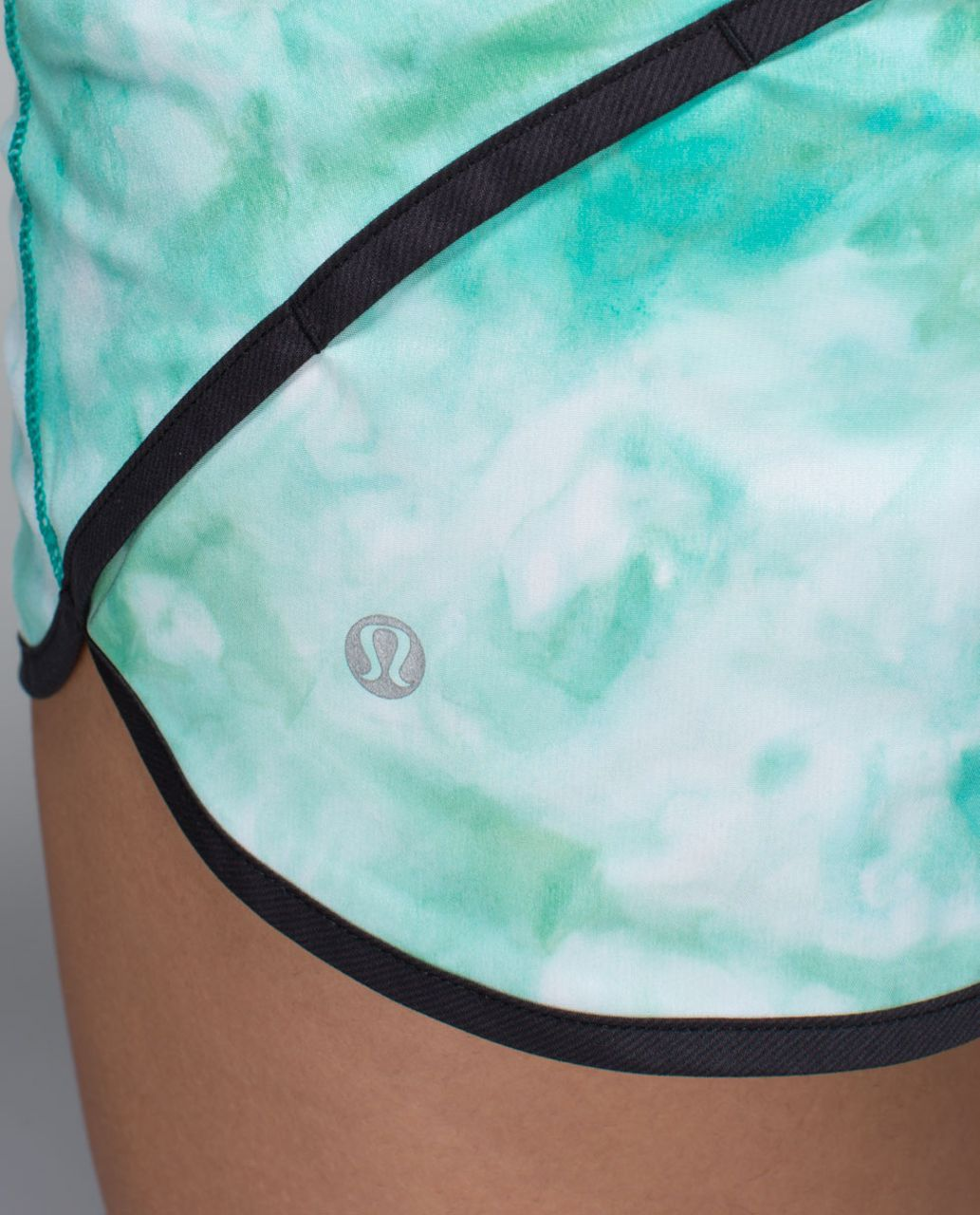 Lululemon Run:  Speed Short *2-way Stretch - Spray Dye White Blue Tropics / Black