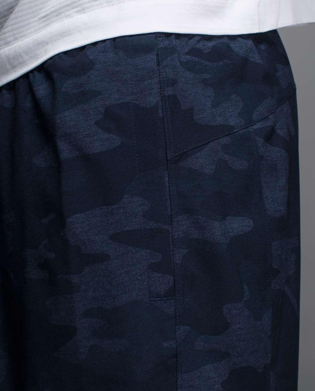 "Lululemon T.H.E. Short 9"" - Heathered Texture Lotus Camo Inkwell / Black"