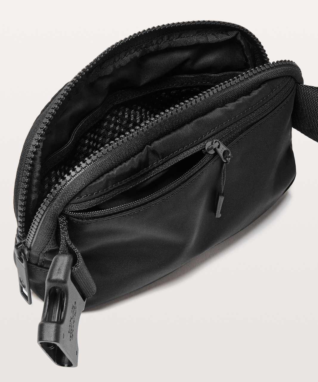 Lululemon Everywhere Belt Bag *1L - Black (First Release)